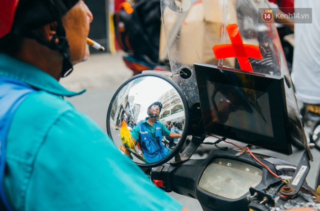đầu tư giá trị - photo 5 1532243475673954395408 - Ông cụ nhặt rác và chú vẹt ở Sài Gòn trên chiếc xe cứu thương đáng yêu được chế tạo từ phế liệu