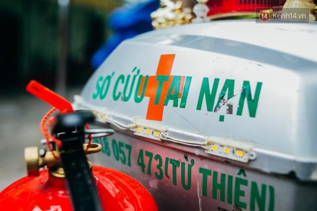 đầu tư giá trị - photo 6 1532243475674982332461 - Ông cụ nhặt rác và chú vẹt ở Sài Gòn trên chiếc xe cứu thương đáng yêu được chế tạo từ phế liệu