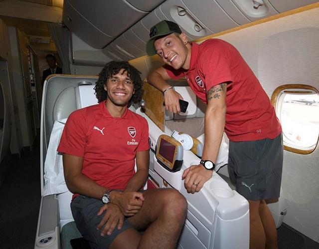 Người hâm mộ thế giới phẫn nộ khi Ozil từ giã tuyển Đức trong uất nghẹn - Ảnh 8.