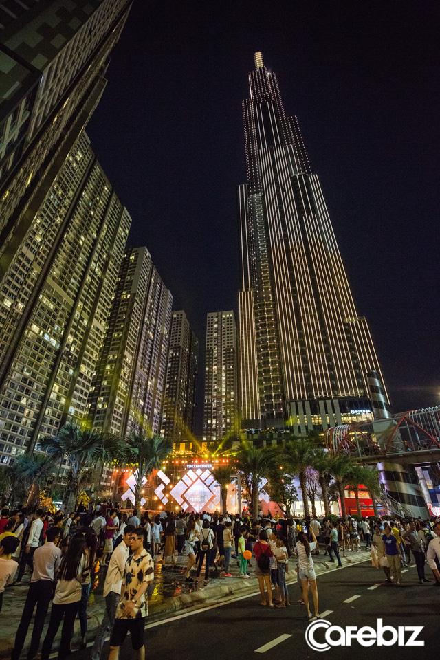 Sau 1.000 ngày thi công, tòa nhà bó tre Việt Nam của Vingroup đã lọt top những tòa nhà cao nhất thế giới - Ảnh 1.