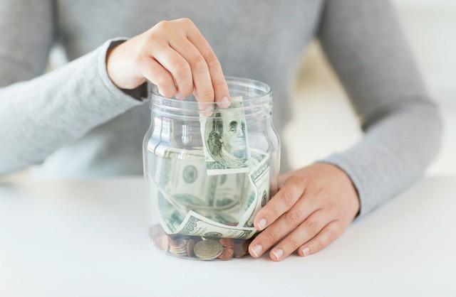 Cặp đôi nghỉ hưu khi mới 35 tuổi: Tiết kiệm thôi chưa đủ, muốn làm giàu bạn nhất định phải biết điều này - Ảnh 2.
