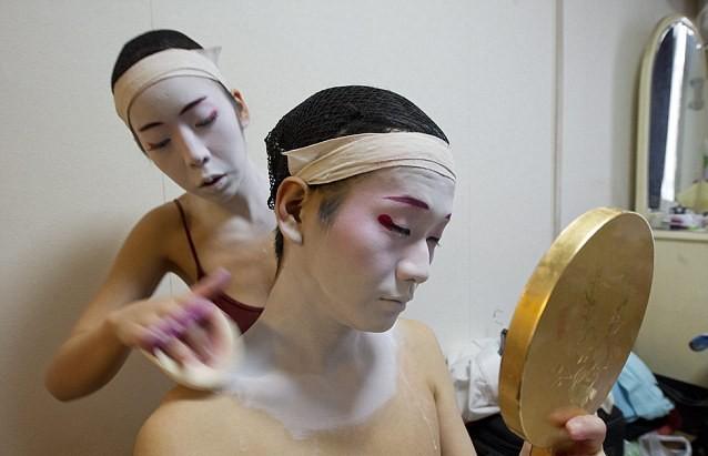 Bí mật thế giới Geisha Nhật Bản: Từ một nét văn hóa lâu đời, rèn luyện khổ cực đến ngộ nhận mua vui của thế giới - Ảnh 2.