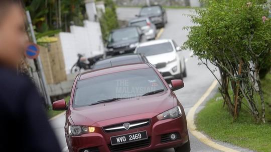 Cựu Thủ tướng Malaysia Najib Razak bị bắt - Ảnh 2.