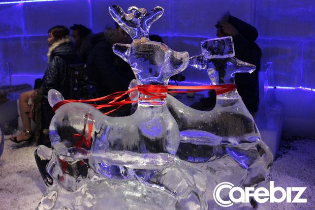 3 sinh viên ĐH Kiến trúc bỏ cả tỷ đồng mở Ice Coffee: Quán -10 độ C nên khách chỉ ngồi được 15 phút rồi ra, đón 1.000 khách/ngày cuối tuần khi Hà Nội nóng đỉnh điểm - Ảnh 6.