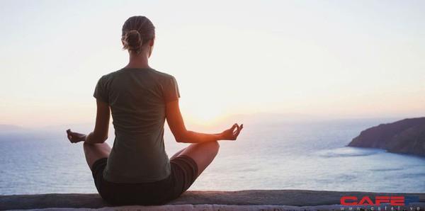 Chuyên gia giải phẫu thần kinh nổi tiếng khẳng định: Thói quen rèn luyện tốt nhất vào buổi sáng chỉ bao gồm 3 bước đơn giản, thực hiện thành công thì cuộc đời thay đổi - Ảnh 1.