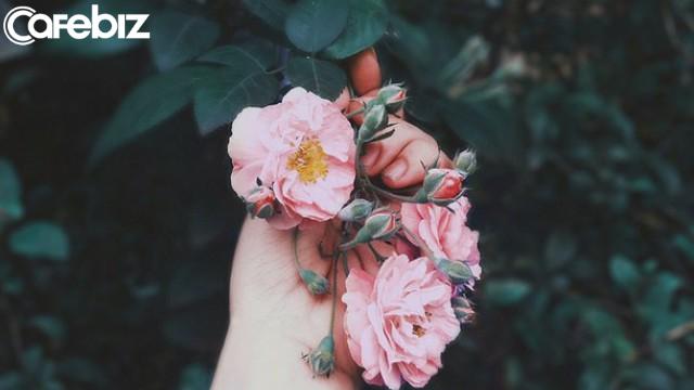 Dành cho những ai đang cảm thấy khó khăn: 20 câu nói sẽ giúp bạn vững vàng hơn vào cuộc sống - Ảnh 1.