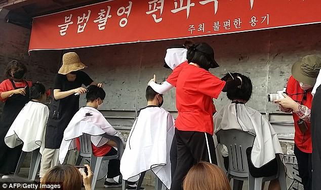 Phụ nữ Hàn Quốc đang điên đầu với nạn quay lén tại các nhà vệ sinh công cộng - Ảnh 1.