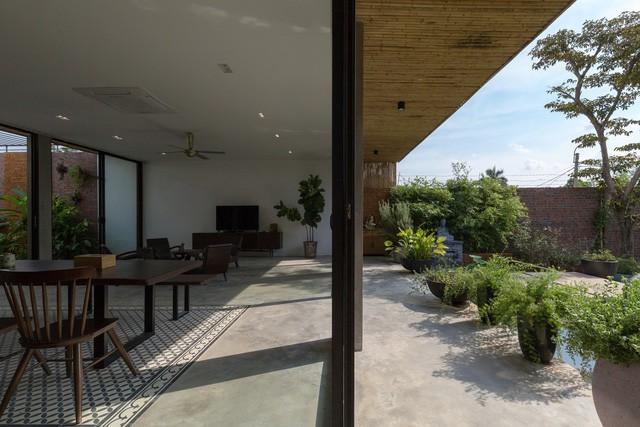 """Cận cảnh căn nhà cấp 4 """"đẹp hơn biệt thự"""" ở ngoại thành Hà Nội được báo Tây khen ngợi - Ảnh 8."""