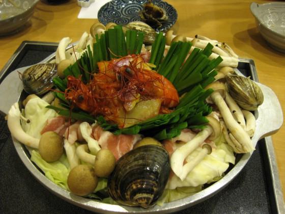 Một trong những bí mật bất ngờ để võ sĩ sumo Nhật Bản có cân nặng gấp 3-4 lần người thường: Bỏ bữa sáng - Ảnh 1.