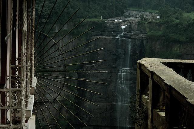 Hotel Del Salto: Khách sạn bỏ hoang từng được giới thượng lưu yêu thích, giờ trở thành địa điểm tự sát vì một truyền thuyết lạ - Ảnh 2.