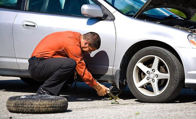 Ngày càng có nhiều hãng sản xuất ô tô bỏ lốp dự phòng, bạn sẽ bất ngờ khi biết lý do - Ảnh 3.