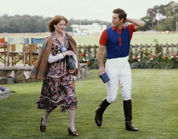 Điều ít biết về người phụ nữ thẳng thừng từ chối kết hôn với Thái tử Charles, sau đó mai mối cho ông và Công nương Diana - Ảnh 2.
