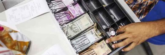 Dân Ấn Độ phẫn nộ về thông tin Trung Quốc in tiền rupee - Ảnh 1.