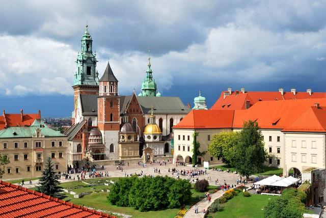 đầu tư giá trị - photo 9 15332032130011185704286 - Chỉ với khoảng 5-7 triệu đồng, bạn sẽ chi tiêu được gì ở những thành phố du lịch rẻ bậc nhất châu Âu?