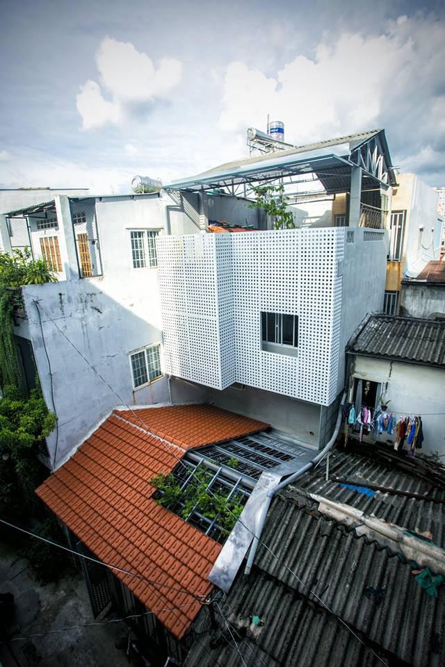 Giữ nguyên khung cũ nhưng từng góc của ngôi nhà 20 năm tuổi ở Sài Gòn đều rất ấn tượng nhờ cải tạo nhà thông minh - Ảnh 2.