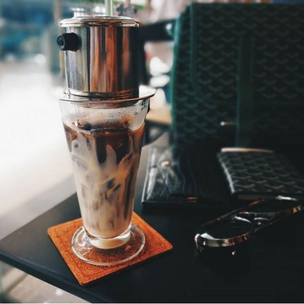 Những quán cà phê nổi bật nhất của Trung Nguyên ở Singapore - Ảnh 4.