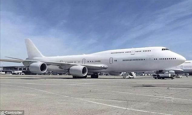 đầu tư giá trị - photo 1 1535031789997154570962 - Cận cảnh siêu phi cơ dát vàng, 10 phòng tắm của Hoàng gia Qatar đang được rao bán 650 triệu USD