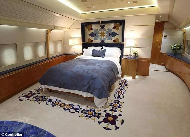 đầu tư giá trị - photo 3 1535031798714559821939 - Cận cảnh siêu phi cơ dát vàng, 10 phòng tắm của Hoàng gia Qatar đang được rao bán 650 triệu USD