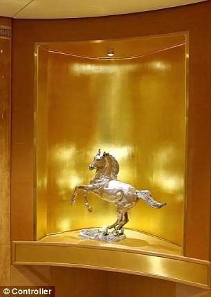 đầu tư giá trị - photo 5 15350317987231463689862 - Cận cảnh siêu phi cơ dát vàng, 10 phòng tắm của Hoàng gia Qatar đang được rao bán 650 triệu USD