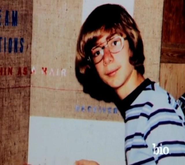 Tuổi thơ buồn tủi, khởi nghiệp từ gã bán sách online, điều gì đã giúp Jeff Bezos bước lên vị trí người người ước mong, ngưỡng mộ? - Ảnh 1.