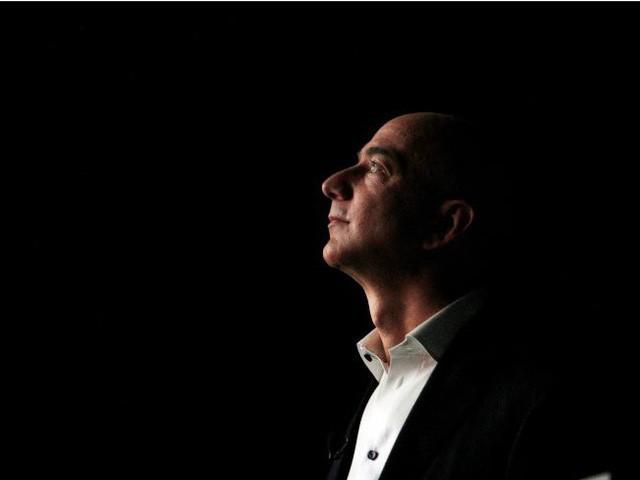 Tuổi thơ buồn tủi, khởi nghiệp từ gã bán sách online, điều gì đã giúp Jeff Bezos bước lên vị trí người người ước mong, ngưỡng mộ? - Ảnh 2.