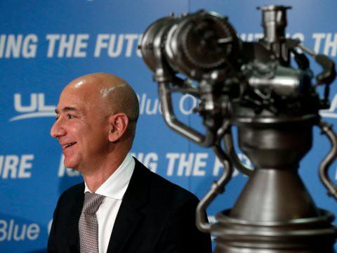 Không làm từ thiện nhiều như Bill Gates, người giàu nhất thế giới Jeff Bezos sử dụng 150 tỷ USD tài sản của mình như thế nào? - Ảnh 23.