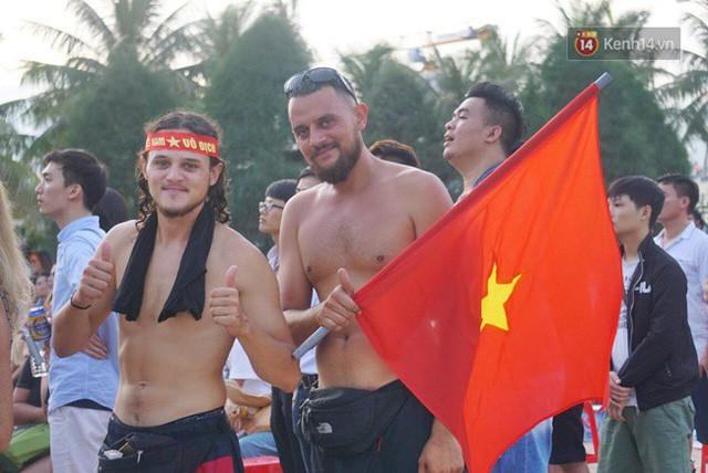 đầu tư giá trị - photo 1 15355480100042118982463 - CĐV bần thần trước thất bại của Olympic Việt Nam, nhưng vẫn tự hào vì những gì các cầu thủ đã làm được