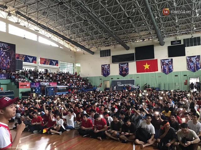 đầu tư giá trị - photo 100 1535548010119654324528 - CĐV bần thần trước thất bại của Olympic Việt Nam, nhưng vẫn tự hào vì những gì các cầu thủ đã làm được