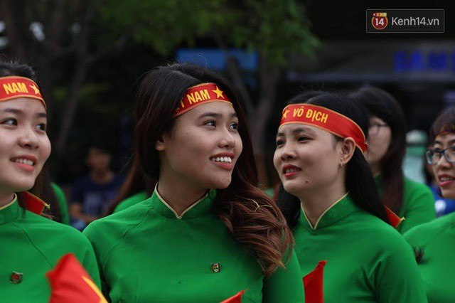 đầu tư giá trị - photo 110 1535548010132157318151 - CĐV bần thần trước thất bại của Olympic Việt Nam, nhưng vẫn tự hào vì những gì các cầu thủ đã làm được