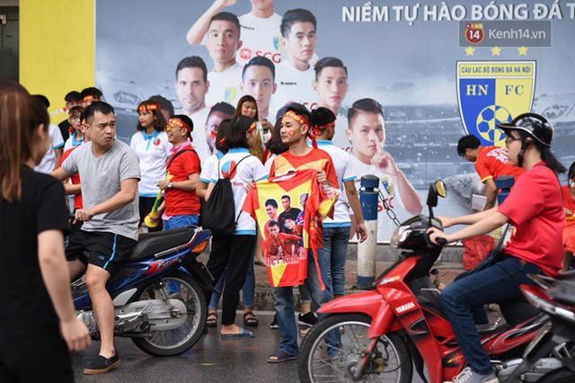 đầu tư giá trị - photo 113 1535548010136810001008 - CĐV bần thần trước thất bại của Olympic Việt Nam, nhưng vẫn tự hào vì những gì các cầu thủ đã làm được