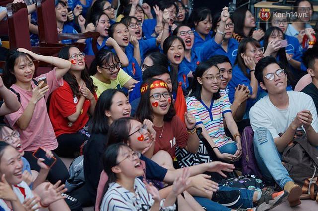 đầu tư giá trị - photo 12 1535548010019426543005 - CĐV bần thần trước thất bại của Olympic Việt Nam, nhưng vẫn tự hào vì những gì các cầu thủ đã làm được