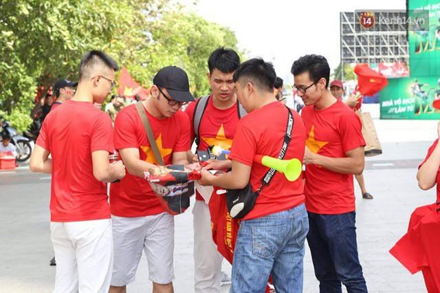đầu tư giá trị - photo 133 15355480101631118511274 - CĐV bần thần trước thất bại của Olympic Việt Nam, nhưng vẫn tự hào vì những gì các cầu thủ đã làm được