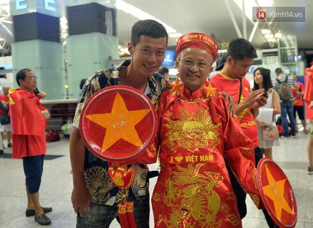 đầu tư giá trị - photo 135 1535548010165479865785 - CĐV bần thần trước thất bại của Olympic Việt Nam, nhưng vẫn tự hào vì những gì các cầu thủ đã làm được
