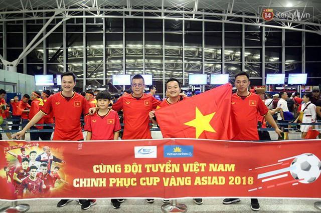 đầu tư giá trị - photo 136 1535548010167380585790 - CĐV bần thần trước thất bại của Olympic Việt Nam, nhưng vẫn tự hào vì những gì các cầu thủ đã làm được