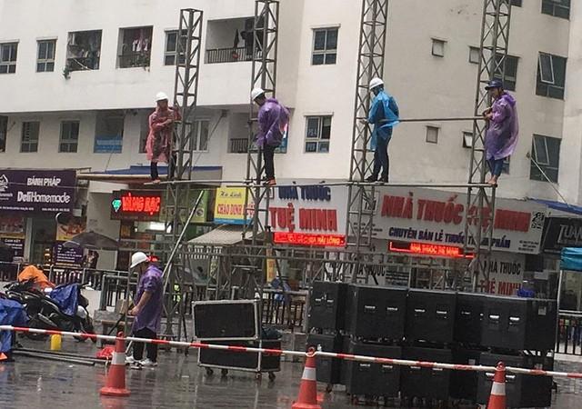 Ăn chơi như cư dân HH Linh Đàm, góp tiền thuê màn hình LED cỡ lớn cổ vũ Olympic Việt Nam trận Việt Nam - Hàn Quốc - Ảnh 3.