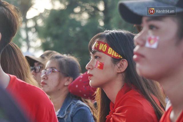 đầu tư giá trị - photo 2 1535548010007433055576 - CĐV bần thần trước thất bại của Olympic Việt Nam, nhưng vẫn tự hào vì những gì các cầu thủ đã làm được