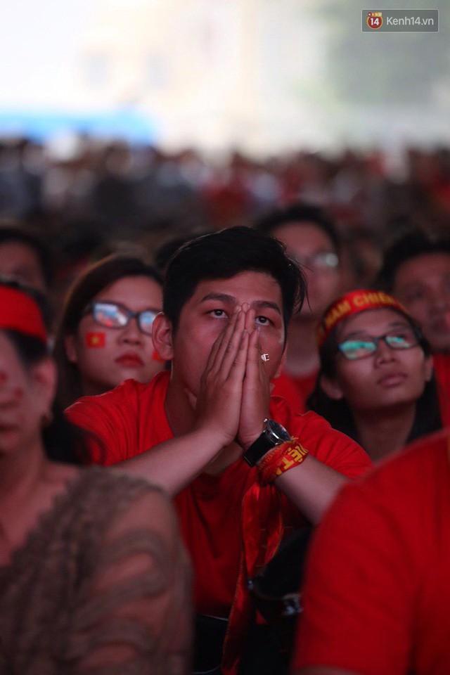 đầu tư giá trị - photo 20 1535548010026145979186 - CĐV bần thần trước thất bại của Olympic Việt Nam, nhưng vẫn tự hào vì những gì các cầu thủ đã làm được