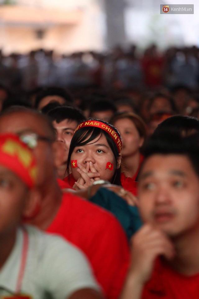 đầu tư giá trị - photo 22 1535548010027421205325 - CĐV bần thần trước thất bại của Olympic Việt Nam, nhưng vẫn tự hào vì những gì các cầu thủ đã làm được