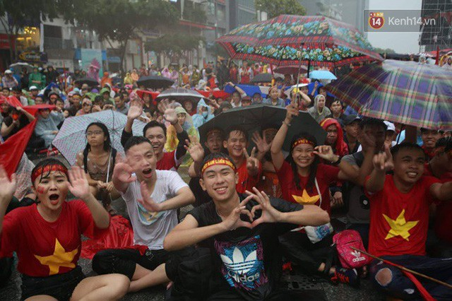 đầu tư giá trị - photo 25 1535548010030878115105 - CĐV bần thần trước thất bại của Olympic Việt Nam, nhưng vẫn tự hào vì những gì các cầu thủ đã làm được