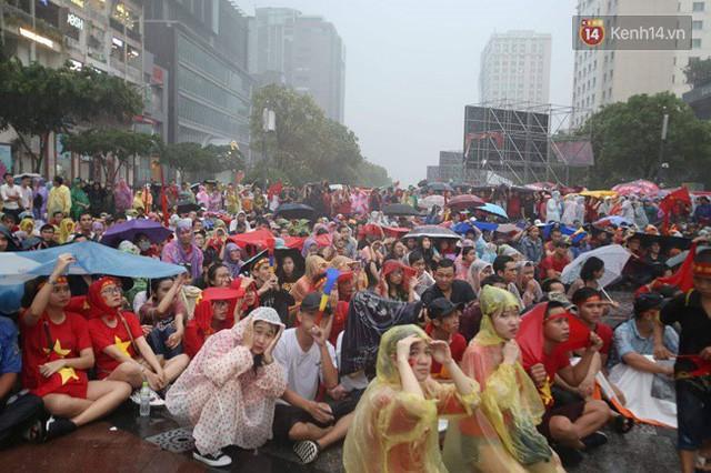 đầu tư giá trị - photo 27 1535548010031856558625 - CĐV bần thần trước thất bại của Olympic Việt Nam, nhưng vẫn tự hào vì những gì các cầu thủ đã làm được