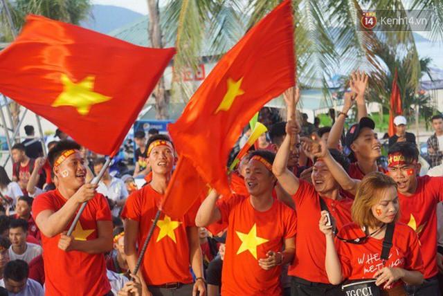 đầu tư giá trị - photo 32 1535548010035443746600 - CĐV bần thần trước thất bại của Olympic Việt Nam, nhưng vẫn tự hào vì những gì các cầu thủ đã làm được