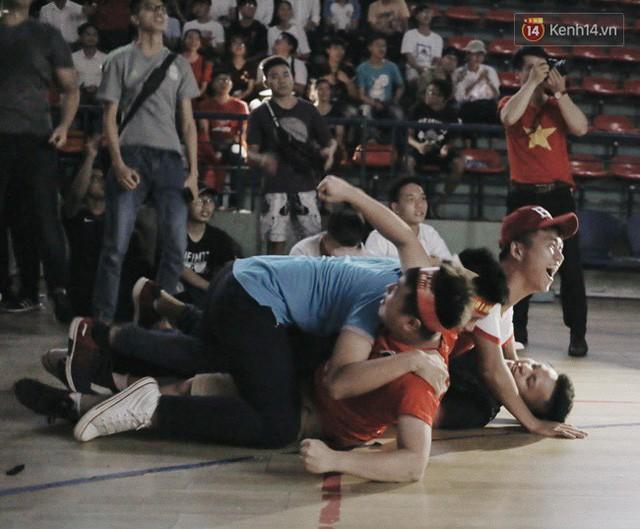 đầu tư giá trị - photo 4 15355480100111483455288 - CĐV bần thần trước thất bại của Olympic Việt Nam, nhưng vẫn tự hào vì những gì các cầu thủ đã làm được