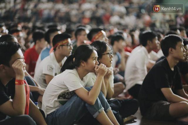 đầu tư giá trị - photo 40 15355480100441554657945 - CĐV bần thần trước thất bại của Olympic Việt Nam, nhưng vẫn tự hào vì những gì các cầu thủ đã làm được