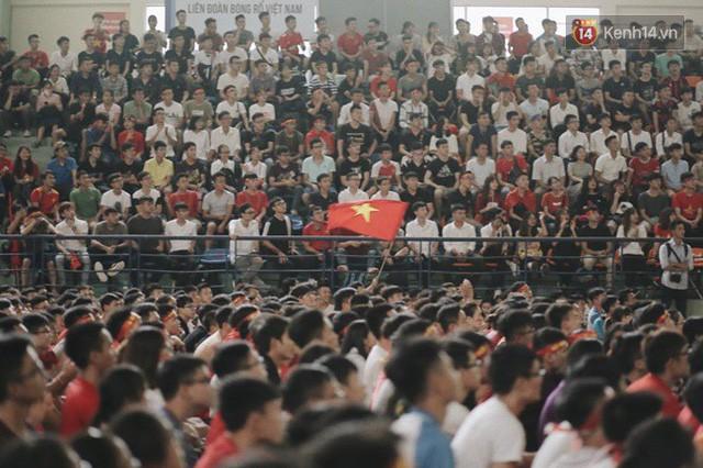 đầu tư giá trị - photo 41 15355480100442106606960 - CĐV bần thần trước thất bại của Olympic Việt Nam, nhưng vẫn tự hào vì những gì các cầu thủ đã làm được