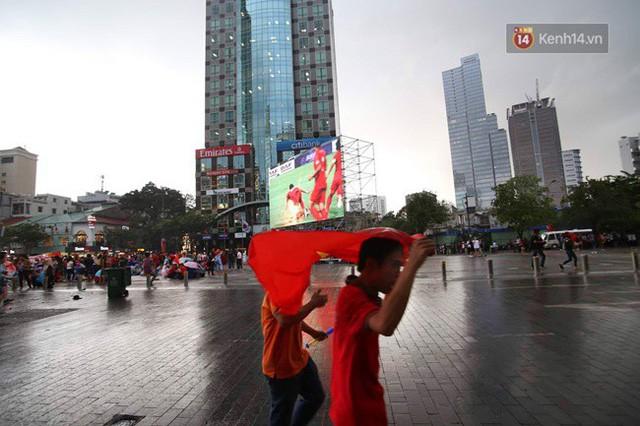 đầu tư giá trị - photo 46 153554801005042216676 - CĐV bần thần trước thất bại của Olympic Việt Nam, nhưng vẫn tự hào vì những gì các cầu thủ đã làm được