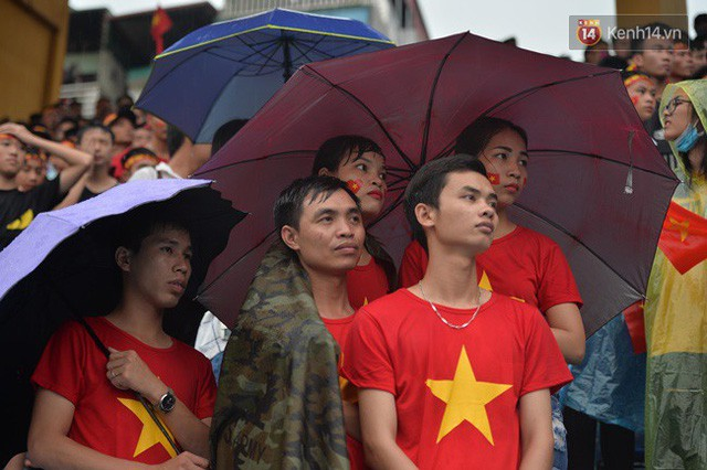 đầu tư giá trị - photo 50 1535548010054313474195 - CĐV bần thần trước thất bại của Olympic Việt Nam, nhưng vẫn tự hào vì những gì các cầu thủ đã làm được