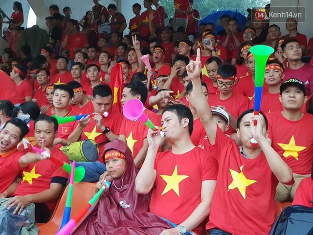 đầu tư giá trị - photo 75 15355480100831053047442 - CĐV bần thần trước thất bại của Olympic Việt Nam, nhưng vẫn tự hào vì những gì các cầu thủ đã làm được