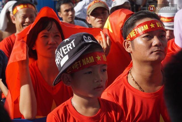 đầu tư giá trị - photo 80 15355480100921602564135 - CĐV bần thần trước thất bại của Olympic Việt Nam, nhưng vẫn tự hào vì những gì các cầu thủ đã làm được