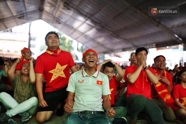 đầu tư giá trị - photo 9 15355480100162006626846 - CĐV bần thần trước thất bại của Olympic Việt Nam, nhưng vẫn tự hào vì những gì các cầu thủ đã làm được