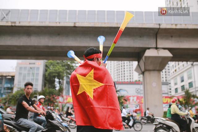 đầu tư giá trị - photo 96 15355480101151177410365 - CĐV bần thần trước thất bại của Olympic Việt Nam, nhưng vẫn tự hào vì những gì các cầu thủ đã làm được